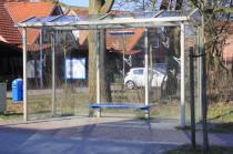 Bushaltestelle direkt am Haus.  Für 1 Euro in die Innenstadt.